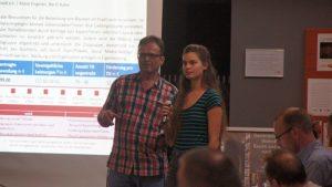 Bertil Kalex und Marie Engelien wollen Bürger*innen für Bäume sensibilisieren. Foto: Philine Schlick