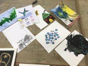 Griff in die Fülle: Kunst im Umschlag. Foto: Anja Hilgert