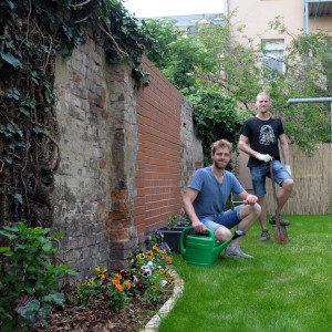 """Marthy und Lars vom Stadtteilfondsprojekt """"Grüne Pfote 66"""" (Foto Torsten Görg)"""