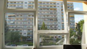 Blick auf die WGJ-Balkone an der Pfotenhauerstraße. Foto: Philine Schlick