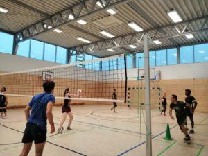 Volleyball ist eine von vier Sportarten, die beim NachtSport angeboten werden. Foto: NachtSport Dresden