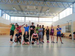 Die Volleyballmannschaft in Aktion. Foto: NachtSport Dresden