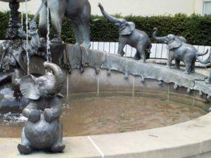 Der Zirkusbrunnen der WGJ am Carolaplatz in der Neustadt. Foto: Philine Schlick